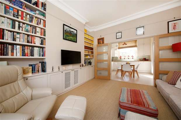 3 Bedrooms Flat for sale in Lilford Road, Camberwell