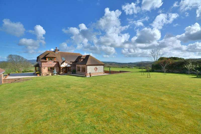 4 Bedrooms Detached House for sale in Watersfield, Pulborough