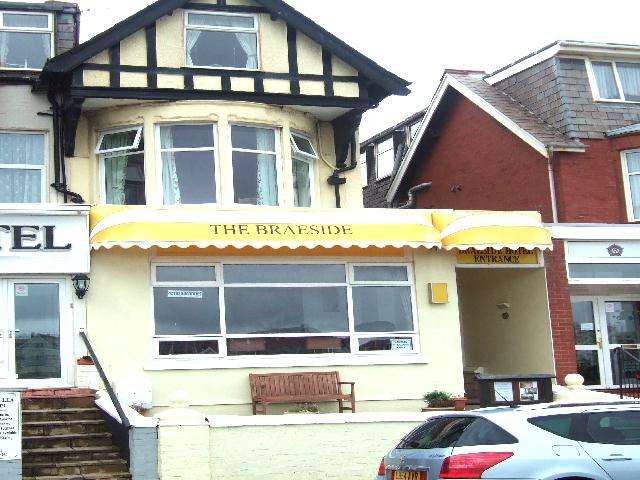 9 Bedrooms Hotel Commercial for sale in Willshaw Road, Blackpool, FY2 9SH