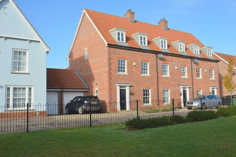 4 Bedrooms Terraced House for sale in Lord Nelson Drive, The Hampdens, New Costessey, Norwich