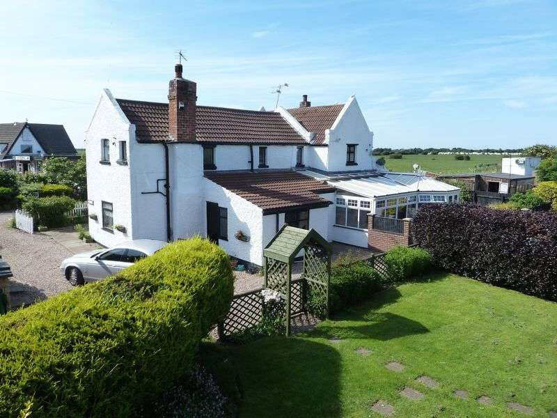 5 Bedrooms Detached House for sale in Church End, Skegness