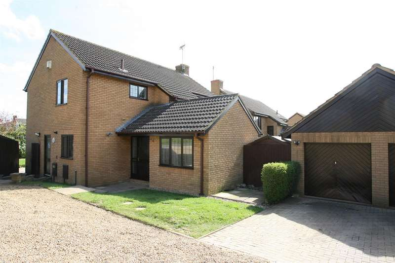 4 Bedrooms Property for sale in The Downs, Redhill Grange, Wellingborough