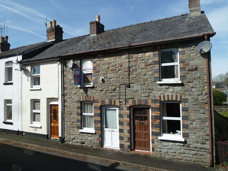2 Bedrooms Terraced House for sale in Newmarch Street, Brecon, Powys.