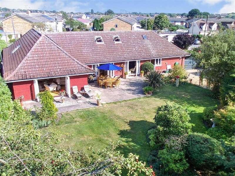 3 Bedrooms Bungalow for sale in Green Lane, Tiptree, Essex