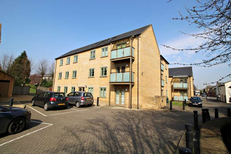 2 Bedrooms Apartment Flat for sale in Starlings Bridge, Nightingale Road, Hitchin, SG5