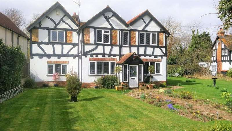 4 Bedrooms Detached House for sale in Chestfield - Whitstable