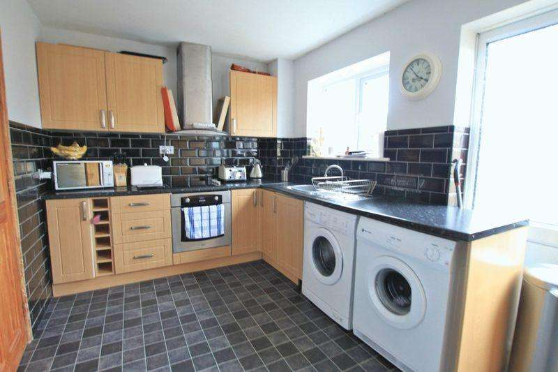 3 Bedrooms Semi Detached House for sale in Menai Bridge, Anglesey