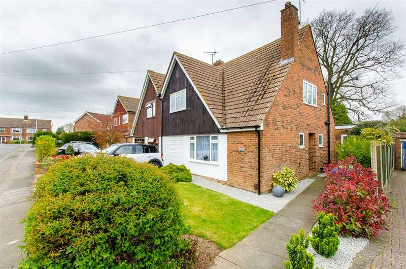 4 Bedrooms Semi Detached House for sale in Cranbrook Drive, Sittingbourne