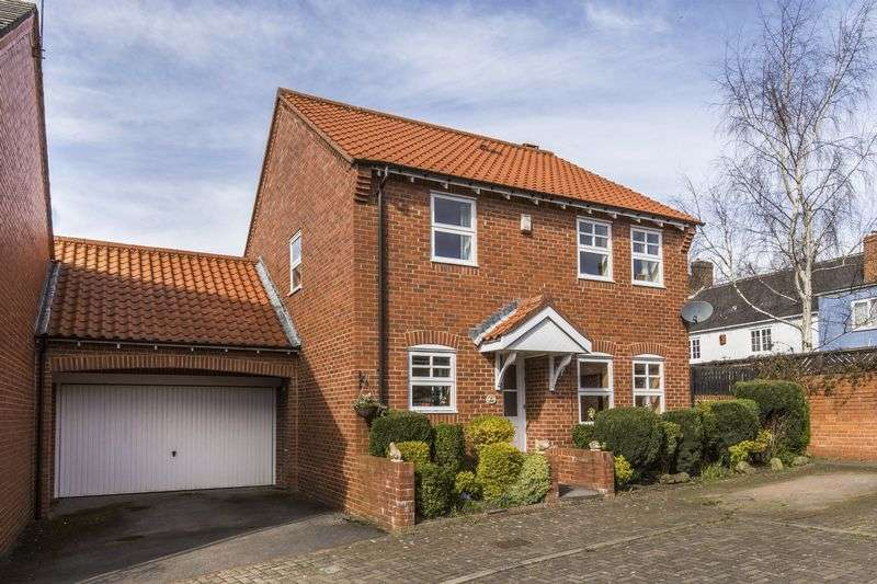 4 Bedrooms Detached House for sale in St Giles Close, Gilesgate, Durham