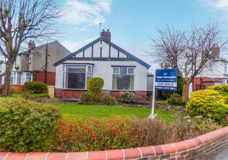 2 Bedrooms Detached Bungalow for sale in Bishops Road, Great Lever, Bolton, Lancashire