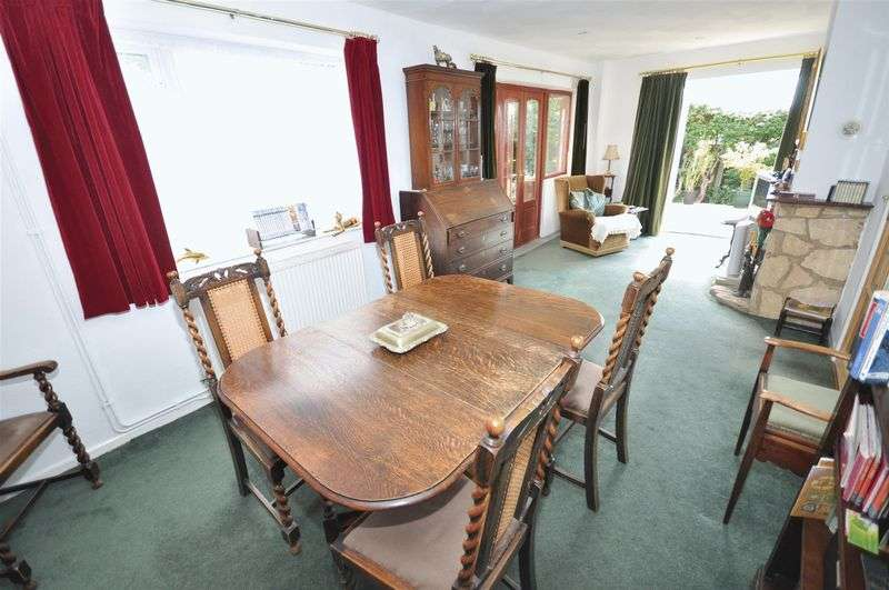 3 Bedrooms Detached Bungalow for sale in Highlands, Devizes