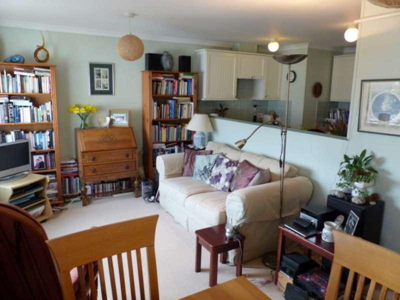 1 Bedroom Apartment Flat for sale in Hurrell Court, Kingsbridge