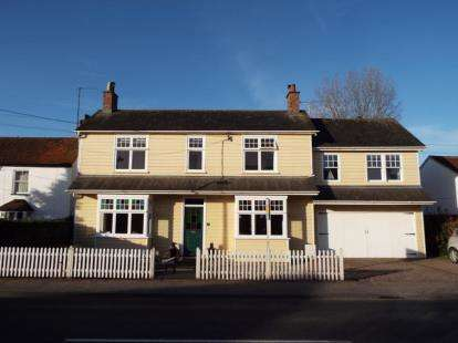 5 Bedrooms Detached House for sale in Kirby Cross, Frinton-On-Sea, Essex