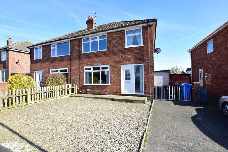 3 Bedrooms Semi Detached House for sale in Blenheim Drive, Warton