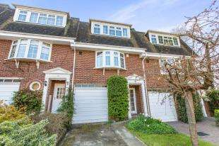 4 Bedrooms Terraced House for sale in Palmer Close, Redhill, Surrey