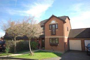 4 Bedrooms Detached House for sale in Swallow Court, Ridgewood, Uckfield, East Sussex