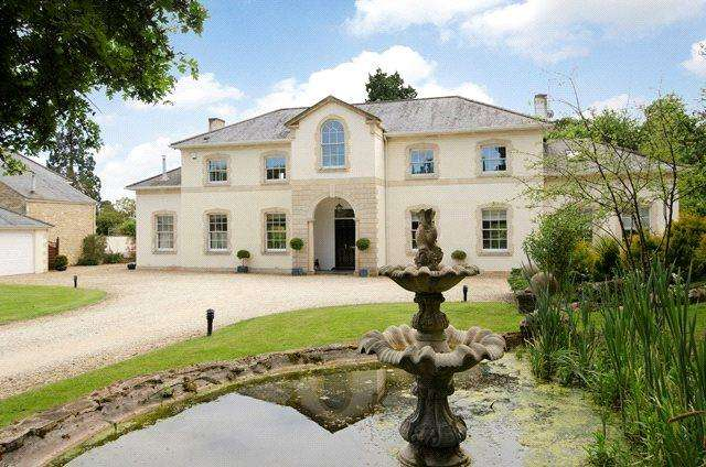 5 Bedrooms Detached House for sale in Rode Manor, Rode, BA11