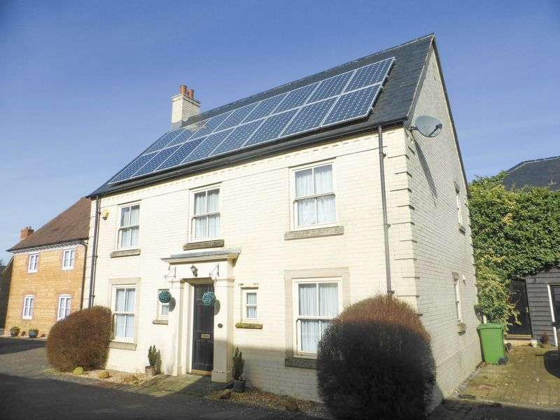 4 Bedrooms Detached House for sale in Walnut Grove, Shepton Mallet