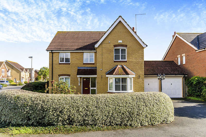 4 Bedrooms Detached House for sale in Willow Farm Way, Herne Bay, CT6