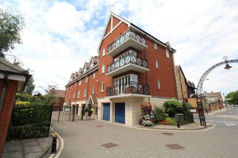 2 Bedrooms Apartment Flat for sale in Neptune Square, Ipswich Waterfront - No Chain