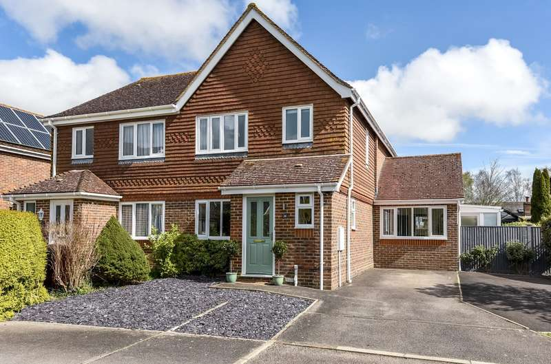 3 Bedrooms Semi Detached House for sale in Priors Acre, Boxgrove, Chichester, PO18