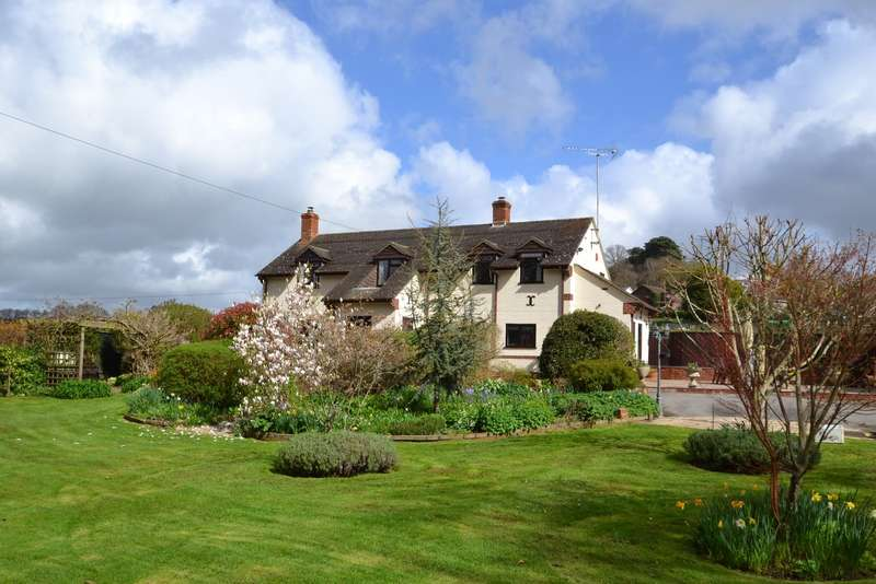 4 Bedrooms Detached House for sale in Corfe Mullen