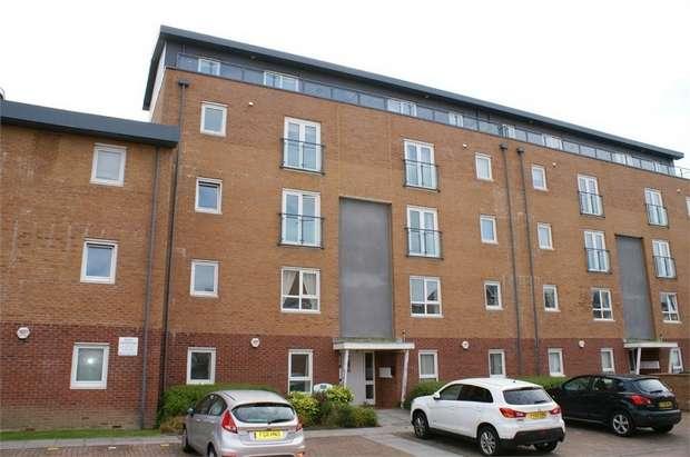 3 Bedrooms Flat for sale in Cwrt Westfa, Pentre Doc y Gogledd, Llanelli, Carmarthenshire