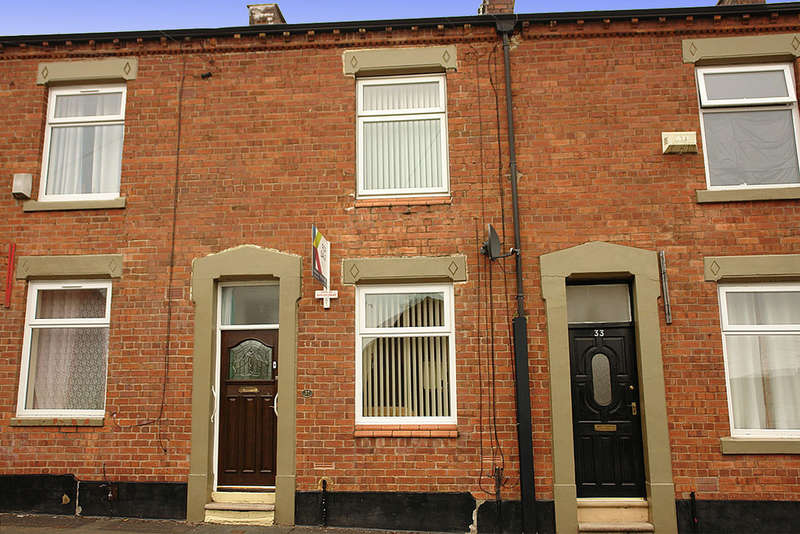 2 Bedrooms Terraced House for sale in 31 Worsley Street, Oldham