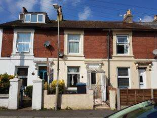 2 Bedrooms Terraced House for sale in Wood Street, Dover, Kent