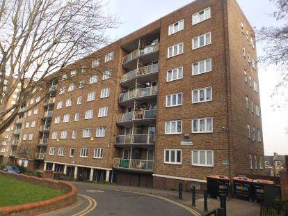 2 Bedrooms Flat for sale in Joseph Court, Amhurst Park, London