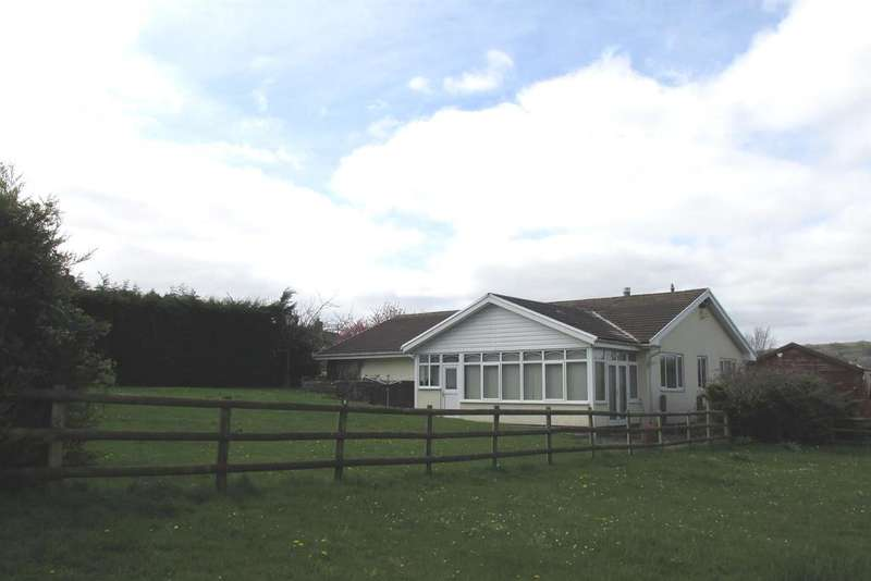 3 Bedrooms Detached Bungalow for sale in Glanffrwd Road, Pontarddulais, Swansea