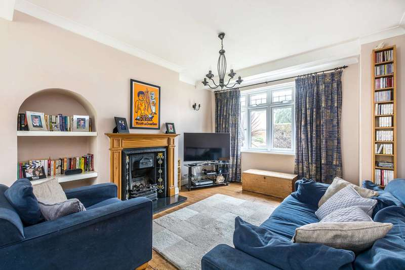 3 Bedrooms Semi Detached House for sale in Clayton Road, Isleworth, TW7