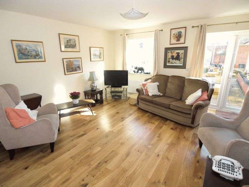 3 Bedrooms Terraced House for sale in Warren Gardens, Tonbridge