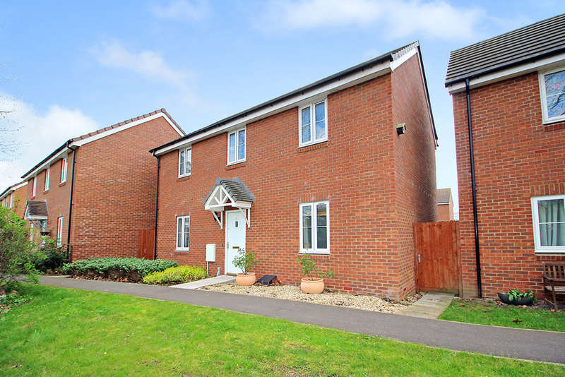 4 Bedrooms Detached House for sale in Sandalwood Road, Westbury