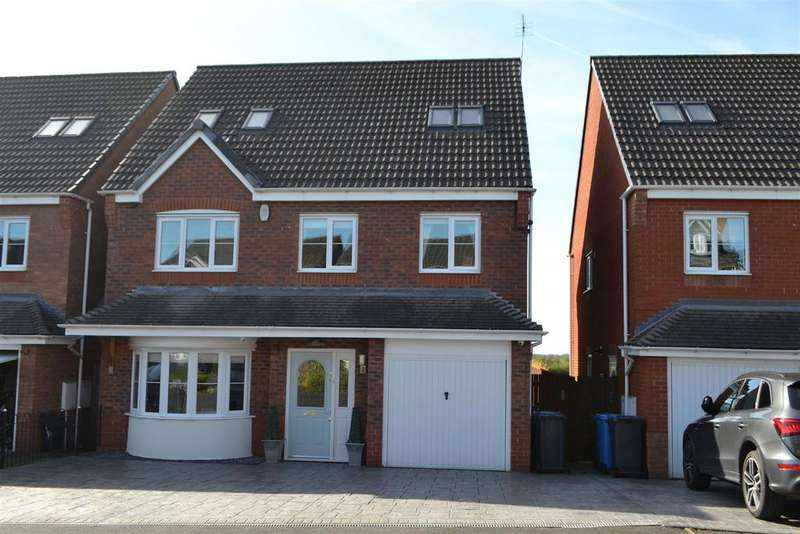 5 Bedrooms House for sale in The Meadows, Cannock