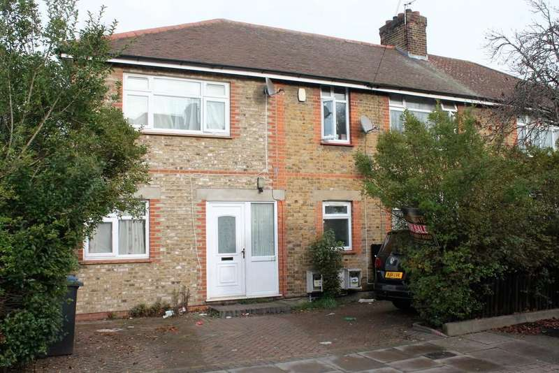 2 Bedrooms Ground Flat for sale in Felixstowe Road, Edmonton