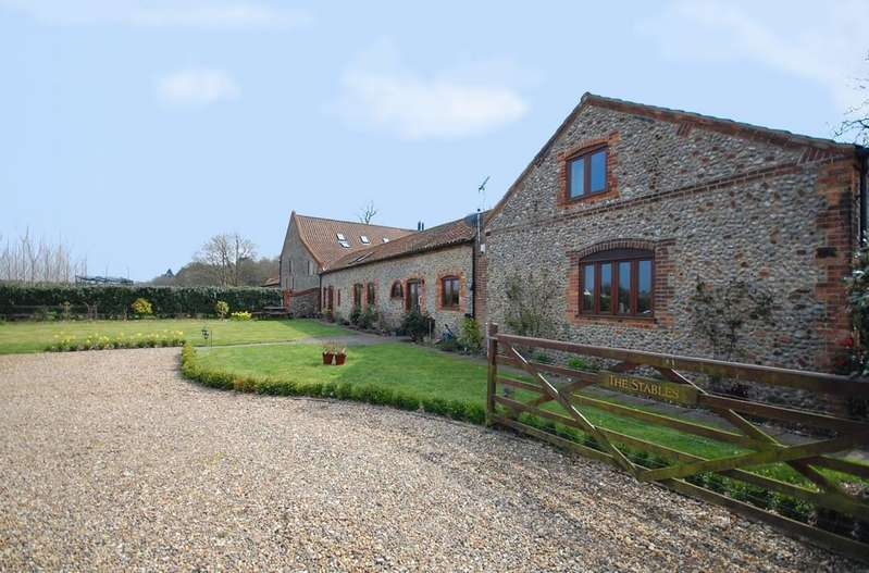 4 Bedrooms Barn Conversion Character Property for sale in Lodge Farm Barns, Holt