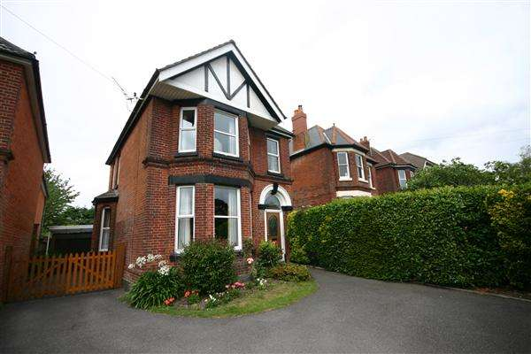 5 Bedrooms Detached House for rent in Winchester Road, Southampton