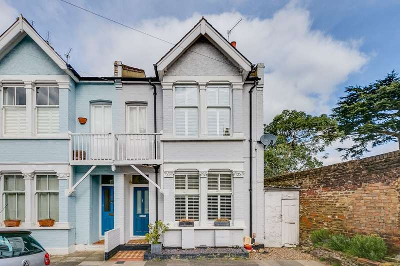 4 Bedrooms End Of Terrace House for sale in Seymour Gardens, Twickenham