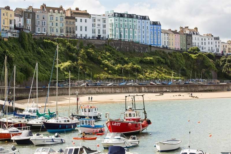 2 Bedrooms Apartment Flat for sale in White Lion Street, Tenby