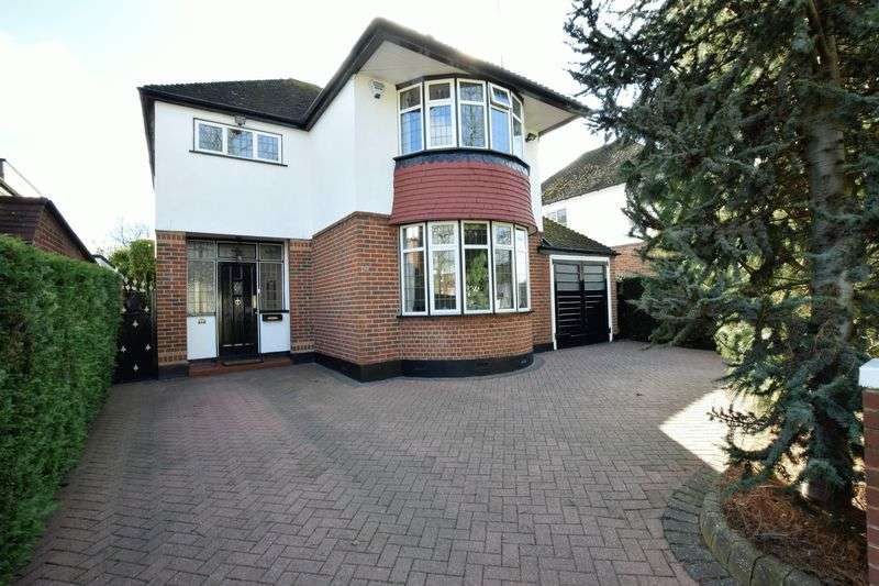 4 Bedrooms Detached House for sale in Gleeson Drive, Orpington