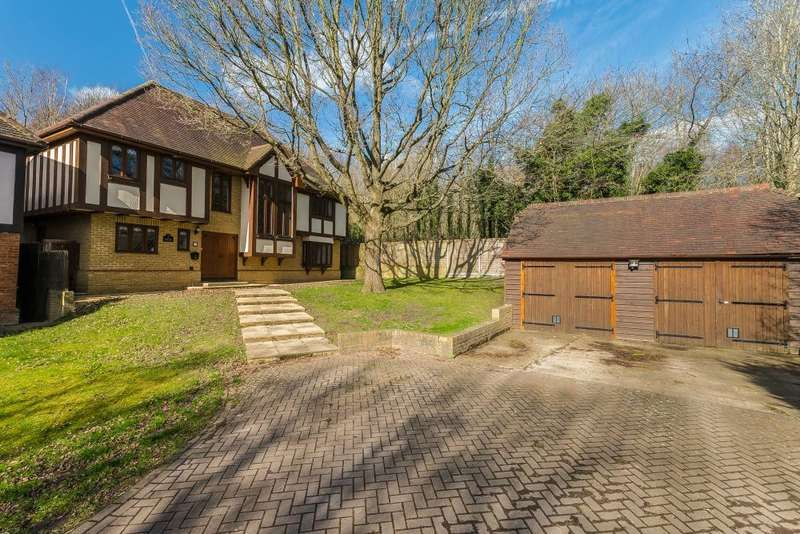 4 Bedrooms Detached House for sale in Doggetts Farm Road, Higher Denham, Buckinghamshire