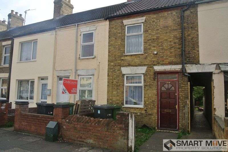 2 Bedrooms Terraced House for sale in Lincoln Road, Peterborough, Cambridgeshire. PE1 2NA