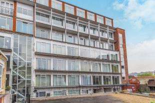 2 Bedrooms Flat for sale in Spembly Works, 13 New Road Avenue, Chatham, Kent