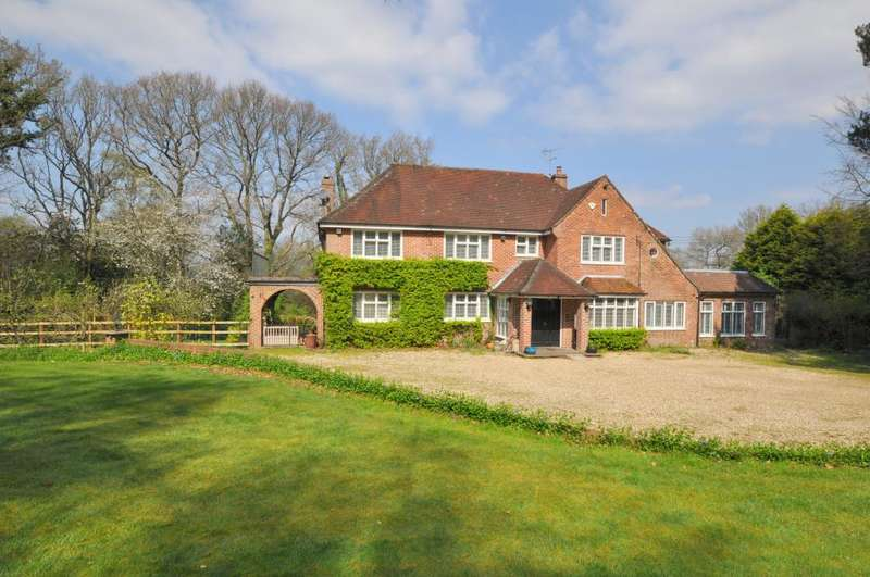 4 Bedrooms Detached House for sale in New Forest, Ringwood, BH24 3HJ