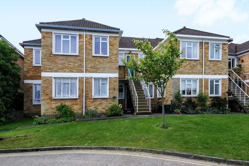 3 Bedrooms Ground Flat for sale in Camberley , Surrey