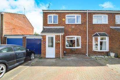 3 Bedrooms Semi Detached House for sale in Nantwich, Freshbrook, Swindon, Wiltshire