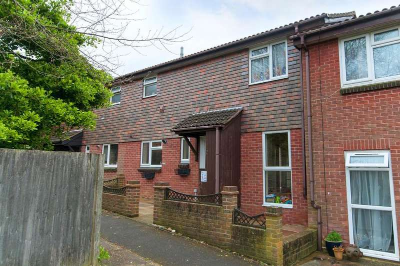 3 Bedrooms House for sale in Pitt Drive, Seaford, East Sussex, BN25 3JB