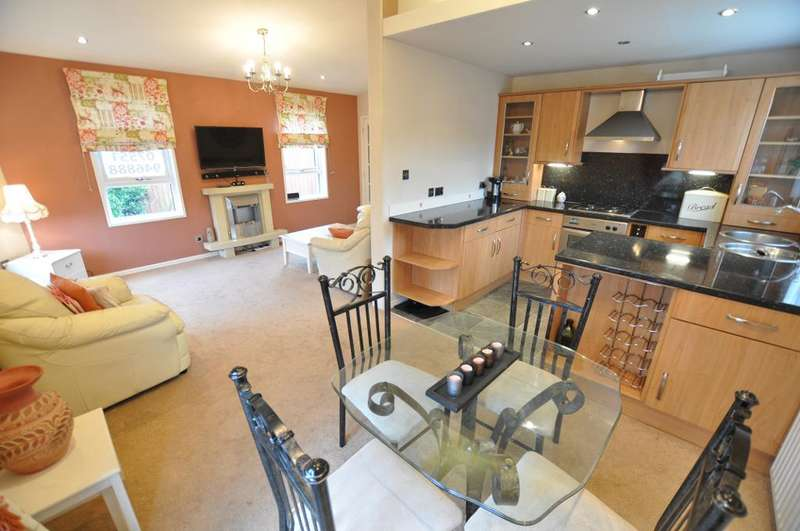 2 Bedrooms Park Home Mobile Home for sale in The Greens, Newton Hall Caravan Park, Staining, Lancashire, FY3 0AX