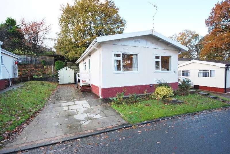 2 Bedrooms Park Home Mobile Home for sale in Oakland Glen, Walton-le-Dale, Preston, Lancashire, PR5 4LS